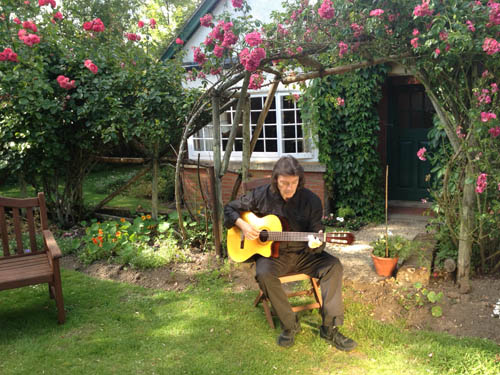 Steve Hackett playing guitar at the Kilns. ( Former ome of C.S. Lewis)