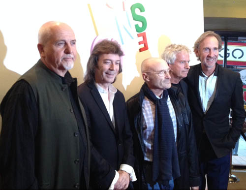A recent pic of Genesis from Steve's Blog: http://www.hackettsongs.com/blog/steve137.html