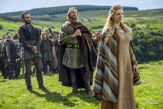 lagertha-enjoys-the-view-vikings